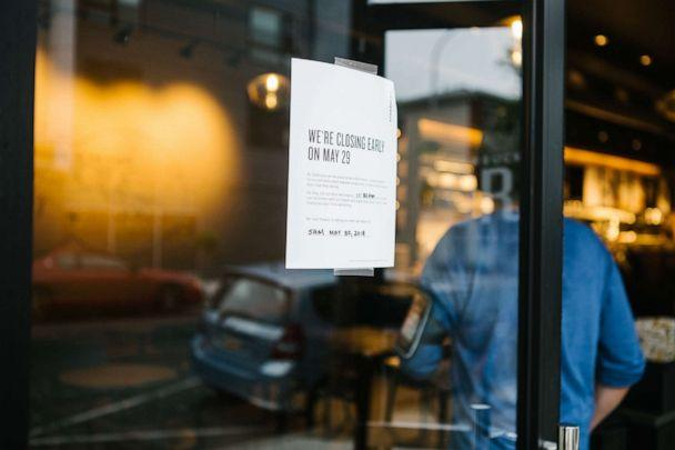 PHOTO: A sign displays early closing hours for racial bias training at a Starbucks coffee shop in Philadelphia, May 29, 2018. (Bloomberg via Getty Images)