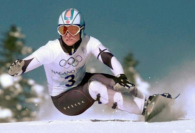 Ross Rebagliati of Canada skis to victory in the first-ever Men's Giant Slalom snowboarding competition Sunday Feb. 8, 1998 in Yamanouchi, Japan. (AP Photo/Robert F. Bukaty)