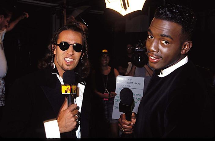 <p>I mean...Bill Bellamy only hosted some of <em>THE</em> most famous MTV shows, including <em>MTV Jams</em> and <em>MTV Beach House</em>. Side note: anyone else obsessed with this behind-the-scenes pic proving that cue cards are...literal cards. </p>