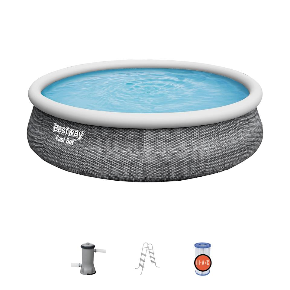 """<p><strong>Fast Set</strong></p><p>walmart.com</p><p><strong>$440.00</strong></p><p><a href=""""https://go.redirectingat.com?id=74968X1596630&url=https%3A%2F%2Fwww.walmart.com%2Fip%2F193442830&sref=https%3A%2F%2Fwww.bestproducts.com%2Fparenting%2Fkids%2Fg1419%2Finflatable-kids-swimming-pools%2F"""" rel=""""nofollow noopener"""" target=""""_blank"""" data-ylk=""""slk:Shop Now"""" class=""""link rapid-noclick-resp"""">Shop Now</a></p><p>At 3 and a half feet deep and 15 feet across, this is an actual pool that just happens to be inflatable. It comes with a pump, a filter, and a set of stairs to get in and out of it. This is a pool only for households where all the kids know how to swim, and if you have a fence. </p><p>However, the parenting editor at Best Products has put one of these together, and notes that they are very easy to setup and wonderful to have.</p>"""