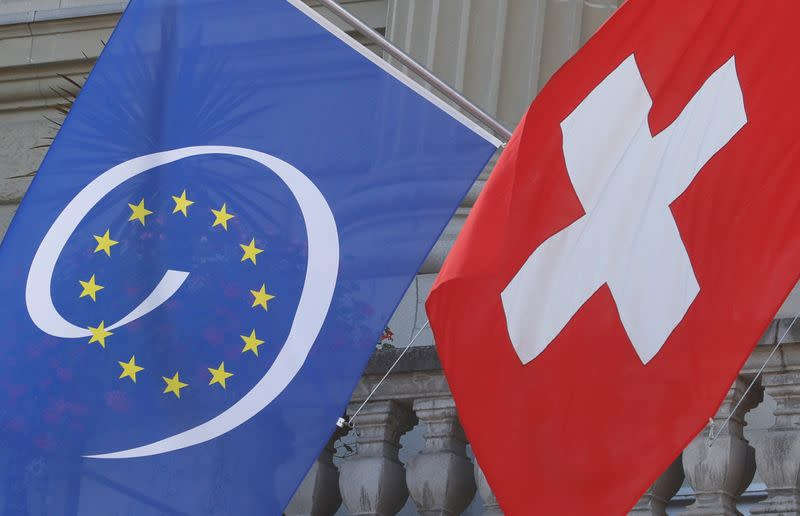 Swiss unions stick to hard line on wages in EU treaty talks
