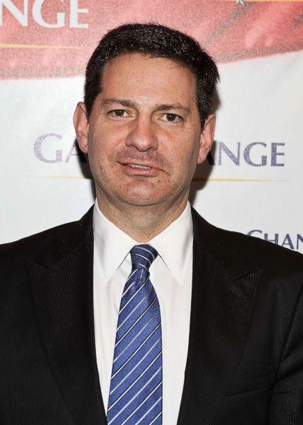 PHOTO: Author Mark Halperin arrives to the 'Game Change' premiere at The Newseum on March 8, 2012 in Washington. (Paul Morigi/WireImage/Getty Images)