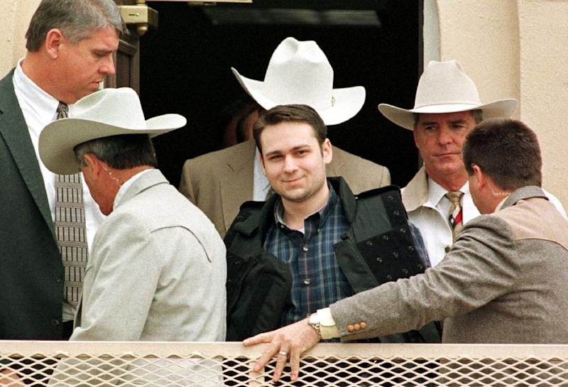 John William King (C) is pictured in 1999 after being sentenced to death for the brutal murder of a black man (AFP Photo/PAUL BUCK)