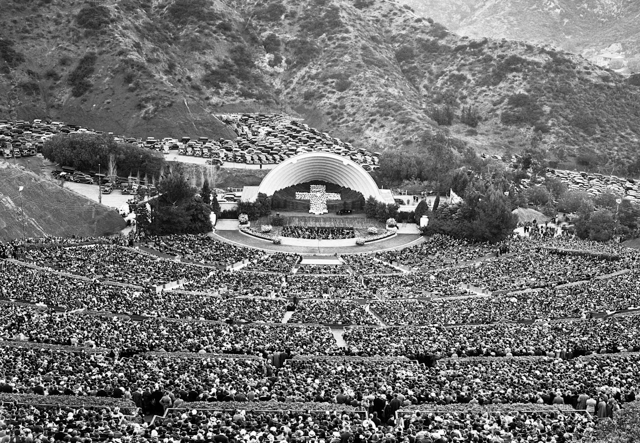 More than 30,000 worshipers gathered at the Hollywood Bowl for an Easter Sunday service on April 17, 1938, in Los Angeles.<br><br>(AP Photo)
