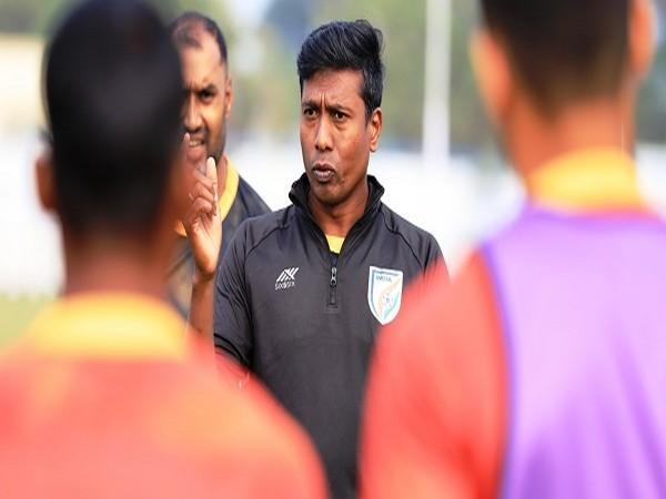 Indian Arrows Head Coach Venkatesh (Image: Indian Football Team's Twitter)