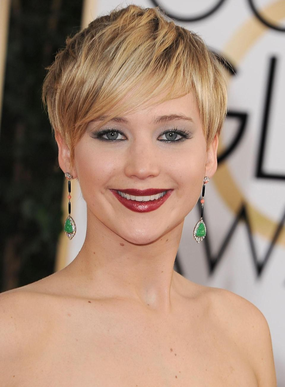 J.Law's layers are long and shaggy while still looking totally polished.