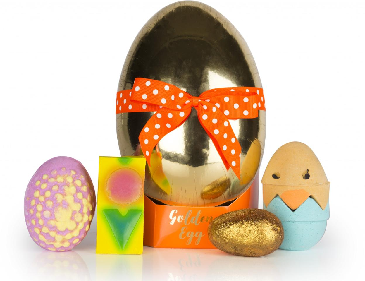 """<p><a rel=""""nofollow"""" href=""""https://uk.lush.com/products/gifts/golden-egg""""><i>Lush, £28.95</i></a> </p>"""