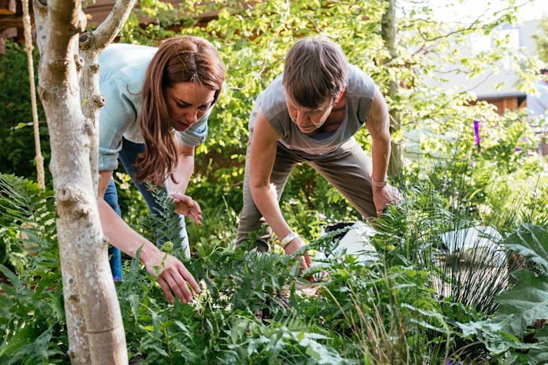 The Duchess tends to the garden with Andree Davies (Getty Images)
