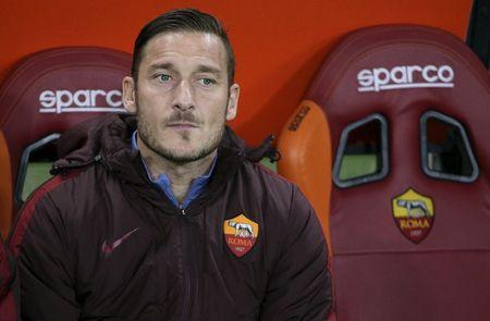 Football Soccer - AS Roma v Inter Milan - Serie A - Olympic Stadium, Rome, Italy - 19/03/16. AS Roma's Francesco Totti sits on the bench before the match. REUTERS/Max Rossi Picture Supplied by Action Images