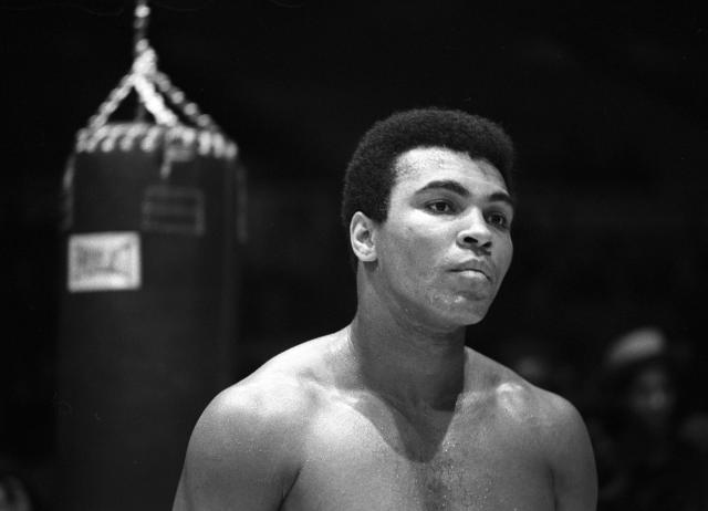 NEW YORK - DECEMBER 07: Heavyweight boxer Muhammad Ali trains for his fight against Oscar Bonavena on December 7, 1970 in New York, U.S.A. (Photo by Anwar Hussein/Getty Images)