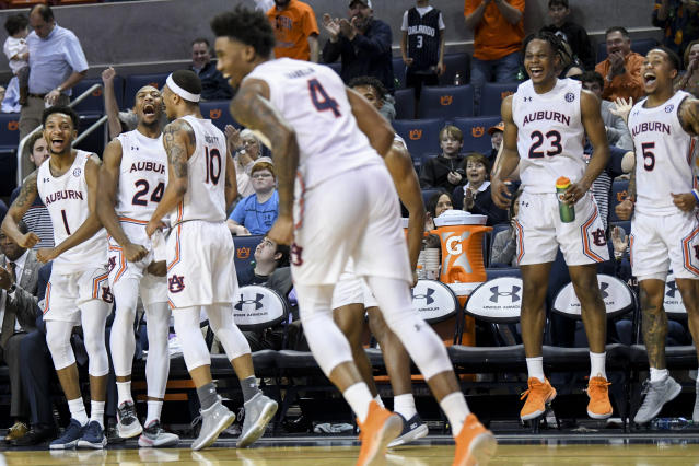 No 8 Auburn Routs Lipscomb 86 59 To Remain Undefeated
