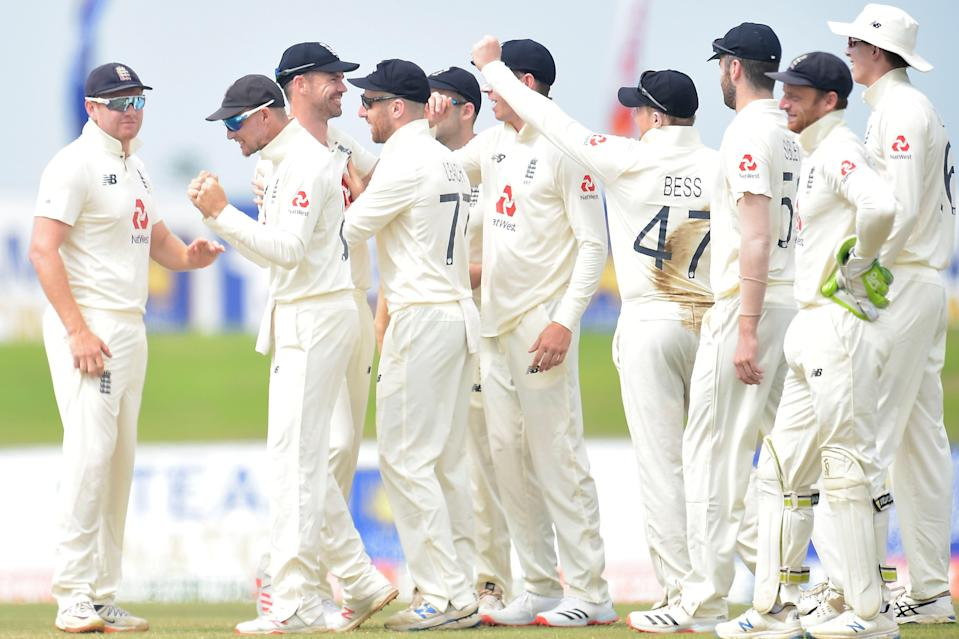 England celebrate the wicket of Angelo Mathews (SLC)