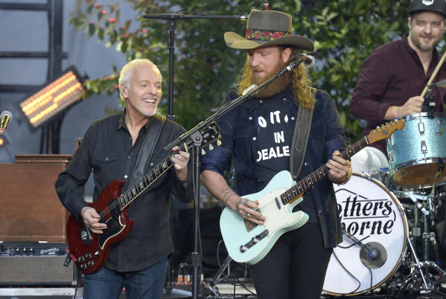 """<p>Peter Frampton, left, and John Osborne perform """"It Ain't My Fault"""" at the CMT Music Awards at Music City Center on Wednesday, June 7, 2017, in Nashville, Tenn. (Photo by Amy Harris/Invision/AP) </p>"""