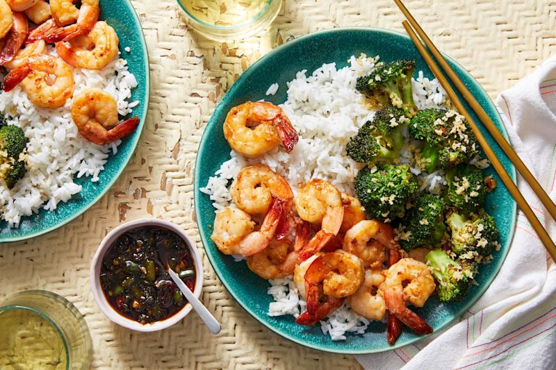 Chrissy Teigen's Blue Apron recipe forgarlic and soy-glazed shrimp with charred broccoli and hot green pepper sauce.