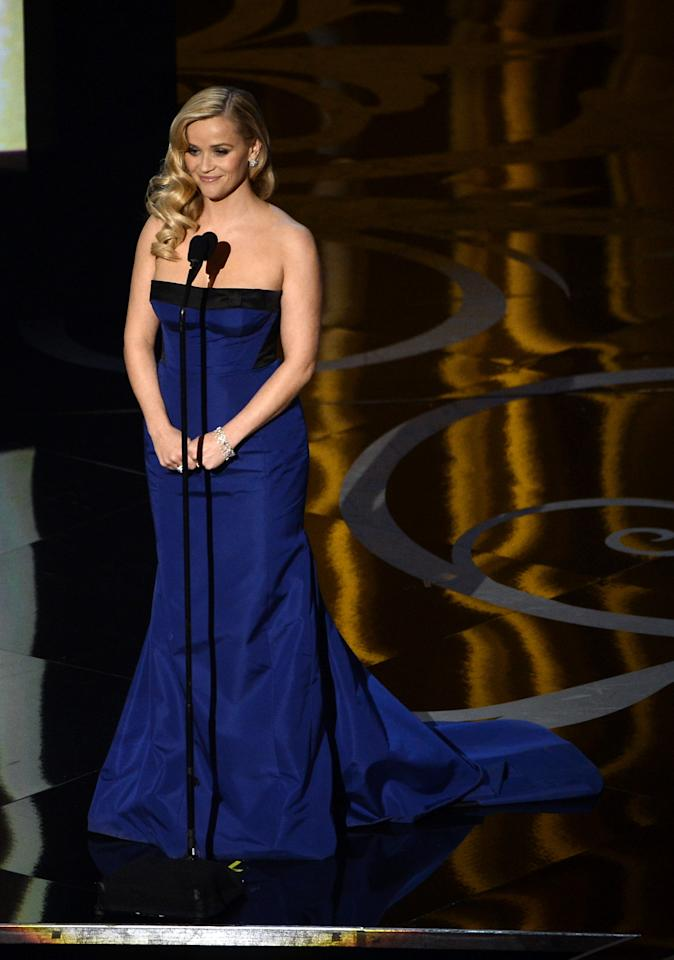 HOLLYWOOD, CA - FEBRUARY 24:  Actress Reese Witherspoon presents onstage during the Oscars held at the Dolby Theatre on February 24, 2013 in Hollywood, California.  (Photo by Kevin Winter/Getty Images)