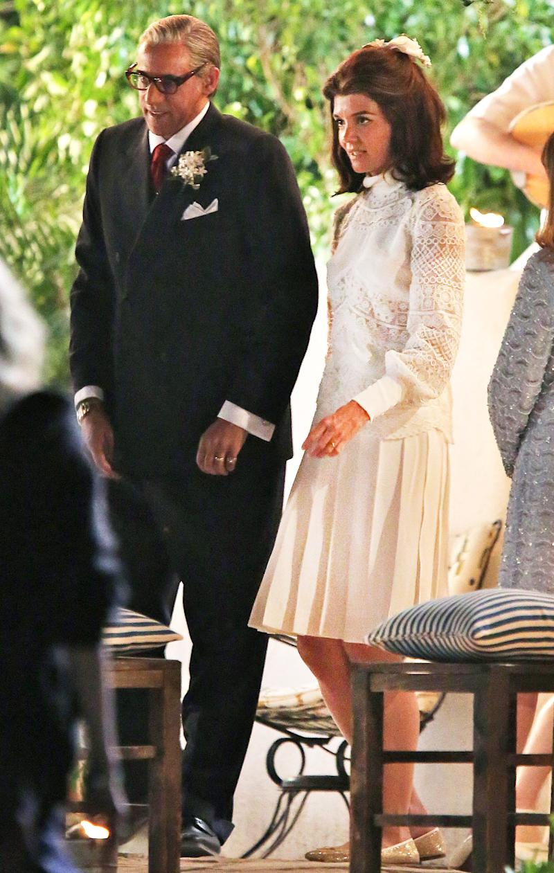Katie Holmes Becomes Jacqueline Kennedy Onassis for Wedding Scene in ...