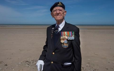Garth Wright Dunkirk veteran - Credit: COPYRIGHT : JULIAN SIMMONDS/JULIAN SIMMONDS