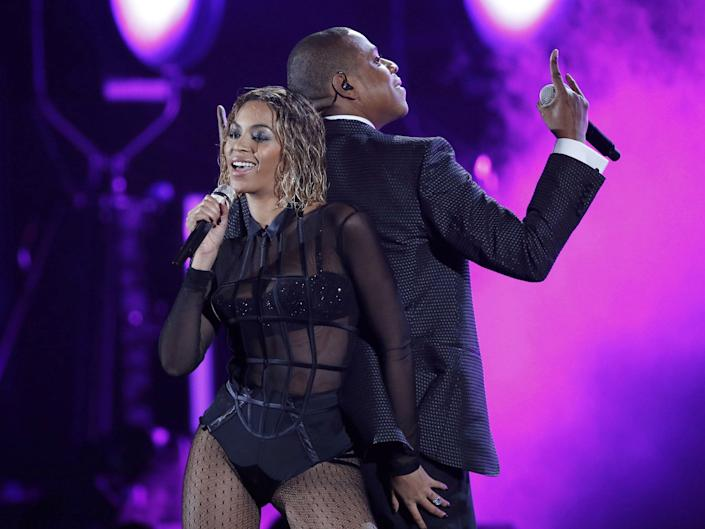 <p>Beyonce performs 'Drunk in Love' alongside husband rapper Jay Z at the 2014 Grammys</p>Mario Anzuoni/Reuters
