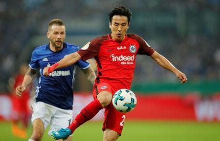Soccer Football -DFB Cup - Schalke 04 vs Eintracht Frankfurt - Veltins-Arena, Gelsenkirchen, Germany - April 18, 2018 Eintracht Frankfurt's Makoto Hasebe in action REUTERS/Wolfgang Rattay
