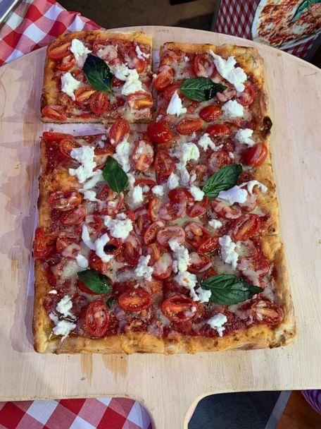 PHOTO: Neapolitan pizza topped with basil and tomatoes made by Donatella Arpaia. (ABC News)
