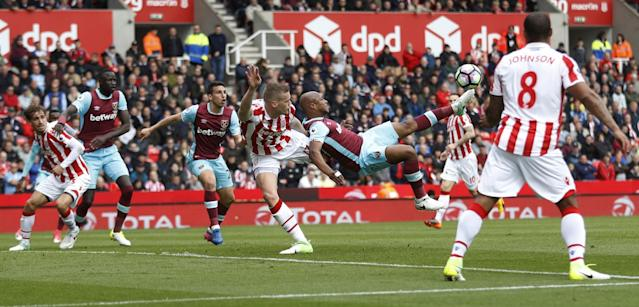 <p>West Ham United's Andre Ayew attempts an overhead kick </p>