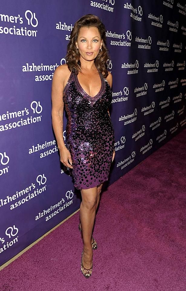 "Right behind Kristen in the arrivals line was ""Desperate Housewives"" hottie Vanessa Williams, who popped a pose in a purple sequined cocktail frock and fab footwear. John Shearer/<a href=""http://www.gettyimages.com/"" target=""new"">GettyImages.com</a> - March 16, 2011"