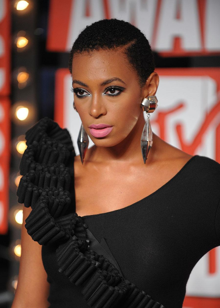 <p>Solange Knowles is a woman of many hairstyles, and the side-parted close cut is nothing short of amazing. (Photo: WireImage) </p>