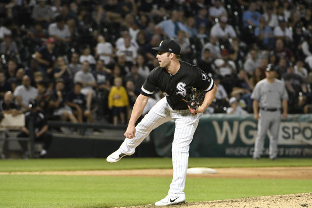 "Matt Davidson pitched three scoreless innings with the <a class=""link rapid-noclick-resp"" href=""/mlb/teams/chi-white-sox/"" data-ylk=""slk:White Sox"">White Sox</a> last season. (AP Photo/David Banks)"