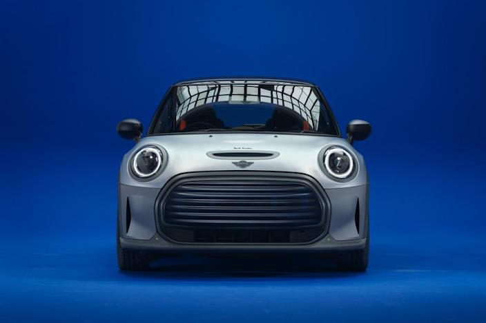 Front view of the new MINI Strip, designed by fashion designer Paul Smith.
