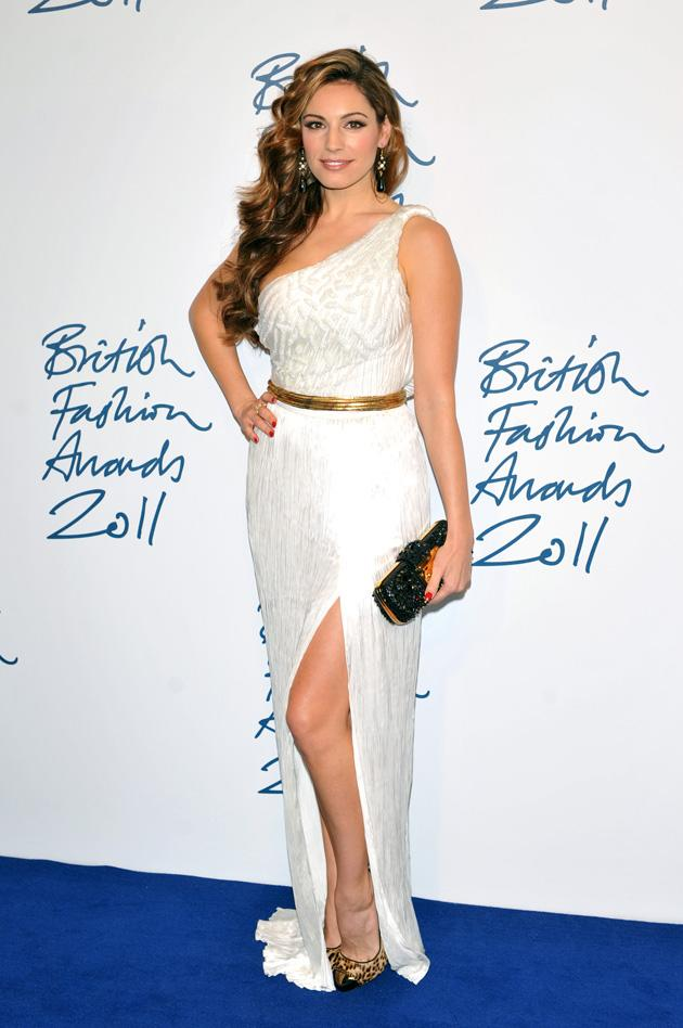Kelly Brook had it all: thigh-baring split, one-shouldered top, dazzling accessories.