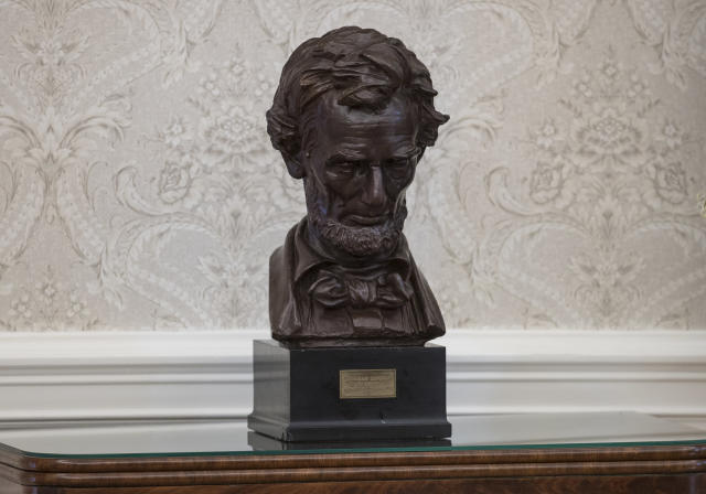 <p>A bust of Abraham Lincoln is seen in the newly renovated Oval Office of the White House in Washington, Tuesday, Aug. 22, 2017, during a media tour. (Photo: Carolyn Kaster/AP) </p>