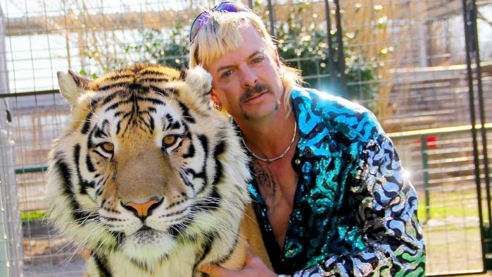 "Epilogue de la série documentaire ""Tiger King"" : le héros, Joe Exotic, privé de son zoo sur décision de justice"