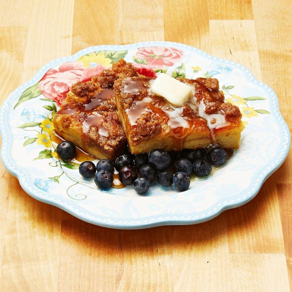 """<p>This easy casserole-style French toast is topped with crumbly cinnamon-sugar and fresh blueberries. The best part is that you can assemble it the night before and refrigerate, then pop it in the oven in the morning. </p><p><a href=""""https://www.thepioneerwoman.com/food-cooking/recipes/a10733/baked-french-toast/"""" rel=""""nofollow noopener"""" target=""""_blank"""" data-ylk=""""slk:Get the recipe."""" class=""""link rapid-noclick-resp""""><strong>Get the recipe.</strong></a></p><p><a class=""""link rapid-noclick-resp"""" href=""""https://go.redirectingat.com?id=74968X1596630&url=https%3A%2F%2Fwww.walmart.com%2Fsearch%2F%3Fquery%3Dmixing%2Bbowls&sref=https%3A%2F%2Fwww.thepioneerwoman.com%2Ffood-cooking%2Frecipes%2Fg36145857%2Fbreakfast-in-bed-recipes%2F"""" rel=""""nofollow noopener"""" target=""""_blank"""" data-ylk=""""slk:SHOP MIXING BOWLS"""">SHOP MIXING BOWLS</a></p>"""