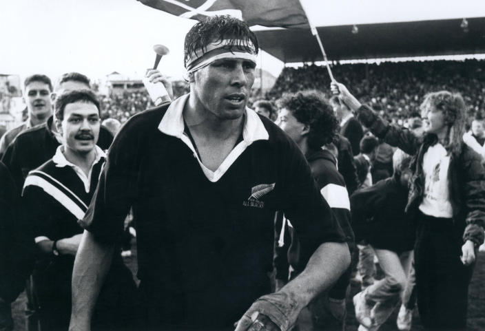 """All Blacks captain Wayne Shelford leaves the field following a test match at Eden Park in Auckland, New Zealand in 1989. The former All Blacks captain Wayne """"Buck"""" Shelford has been knighted in the New Zealand civil honors list commemorating the Queen's Birthday public holiday. (NZ Herald via AP)"""