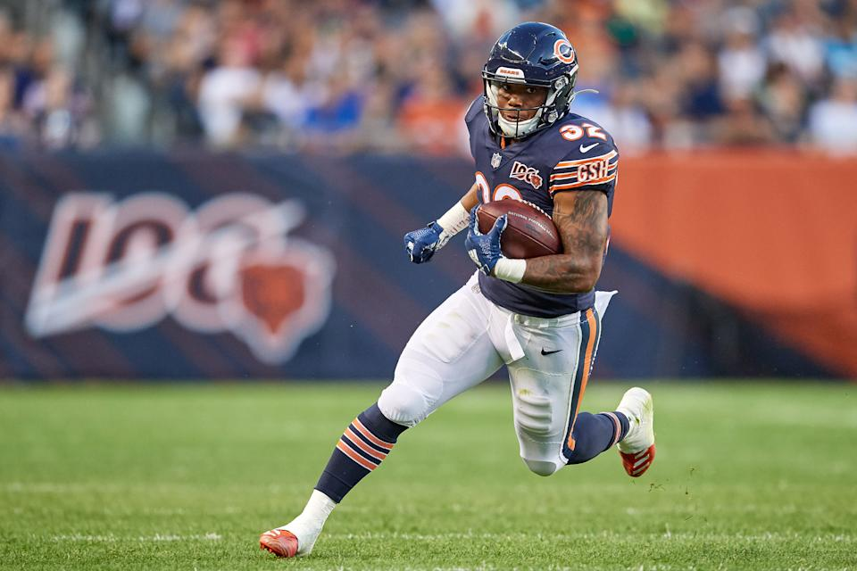 CHICAGO, IL - AUGUST 08: Chicago Bears running back David Montgomery (32) runs with the football in game action during a NFL preseason game between the Carolina Panthers and the Chicago Bears on August 8, 2019 at Soldier Field, in Chicago, IL. (Photo by Robin Alam/Icon Sportswire via Getty Images)