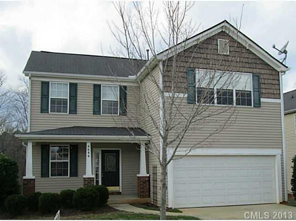 "<b><a href=""http://homes.yahoo.com/search/Pennsylvania/Harrisburg/homes-for-sale"" target=""_blank"">Harrisburg, NC</a> </b><br><a href=""http://homes.yahoo.com/North_Carolina/Harrisburg/6686-thistle-down-dr:b075c333afbd0fe88f630eaf1c6e749d"">6686 Thistle Down Dr, Harrisburg NC</a><p></p> <p>For sale: $177,888</p> <br>  <p>This newer North Carolina home is move-in ready, with hardwood floors throughout the main level and carpet in the bedrooms. The 3-bedroom, 3-bath home includes a huge loft area upstairs and a private fenced yard overlooking a river.</p>"