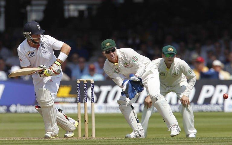 England's Ian Bell (L) hits a shot during the opening day of the second Ashes Test match against Australia at Lord's in London, on July 18, 2013. England are 183 for four against Australia at tea on the first day of the second Ashes Test at Lord's
