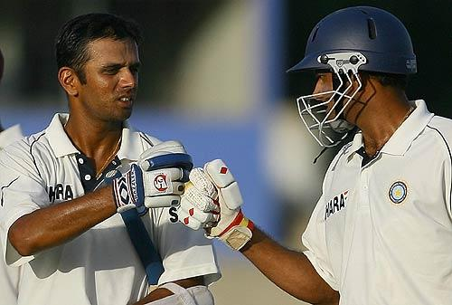 Anil Kumble congratulates Rahul Dravid on his half-century
