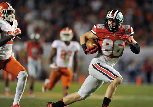 Ohio State TE Jeff Heuerman wears No. 5 in honor of Braxton Miller (GIF)