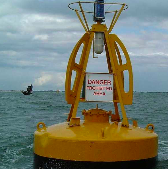 Warning signs are placed around the shipwreck (Geograph)