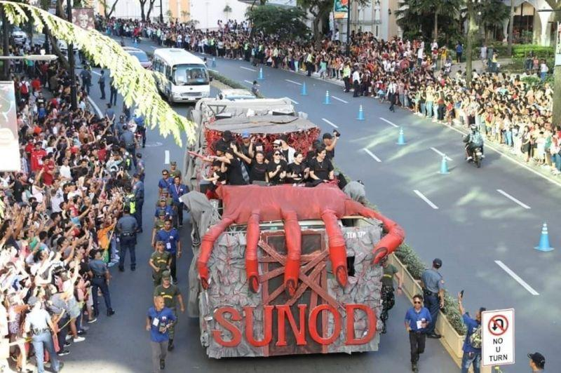 Taguig City hosts longest Parade of Stars in MMFF history, opens MMFF Gallery