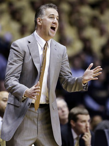 Purdue head coach Matt Painter yells to his team in the first half of an NCAA college basketball game against Ohio State in West Lafayette, Ind., Tuesday, Jan. 8, 2013. (AP Photo/Michael Conroy)