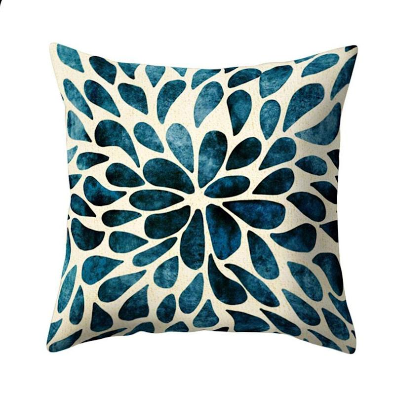 Ameesi Floral Throw Pillow Cover. (Photo: Amazon)