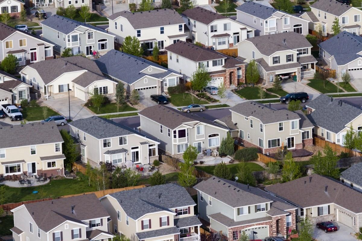"Suburbia has long been a punchline in America. It's synonymous with homogenized neighborhoods, <a href=""https://bestlifeonline.com/huge-houses-50-years-ago/?utm_source=yahoo-news&utm_medium=feed&utm_campaign=yahoo-feed"">garish McMansions</a>, and a minimal amount of entertainment options (other than sitting on your front porch and complaining about the Johnsons' <a href=""https://bestlifeonline.com/lawn-mistakes/?utm_source=yahoo-news&utm_medium=feed&utm_campaign=yahoo-feed"">unkempt lawn</a>, of course).  While many people assume the 'burbs offer a better quality of life than high-density areas, even <em>that's</em> not true. According to a 2017 study published in <a href=""https://www.thelancet.com/journals/lanplh/article/PIIS2542-5196(17)30119-5/fulltext"" target=""_blank""><em>The Lancet</em></a>, people living in urban centers tend to be both happier and healthier than their suburban counterparts. In other words, we don't blame you if the idea of living in the suburbs makes you break out in a cold sweat. And if you want to be validated in your aversion, check out these 17 reasons life in the 'burbs isn't all white picket fences.      <div class=""number-head-mod number-head-mod-standalone"">         <h2 class=""header-mod"">         	            	<div class=""number"">1</div> 	            <div class=""title"">The architecture is cookie-cutter.</div>                     </h2>     </div>"