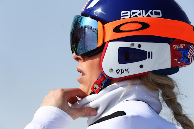 Lindsey Vonn bobbles, misses medal in women's super-G