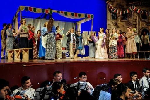 Most of the roles were played by Turkmen singers