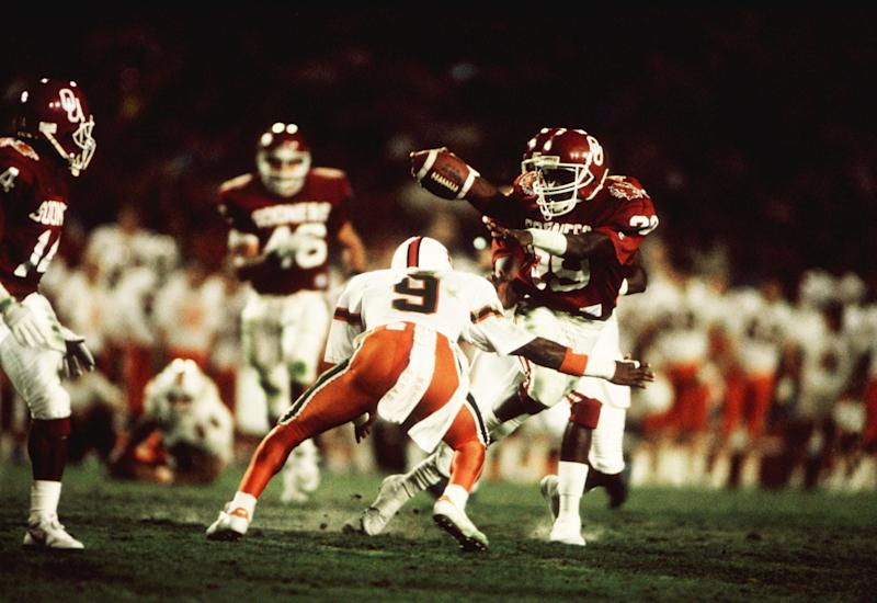 1 Jan 1988: Rickey Dixon of the Oklahoma Sooners in action during the Sooners Orange Bowl 20-14 loss to the to the Miami Hurricanes at the Orange Bowl in Miami, FL. (Photo by John Biever/Icon Sportswire via Getty Images)