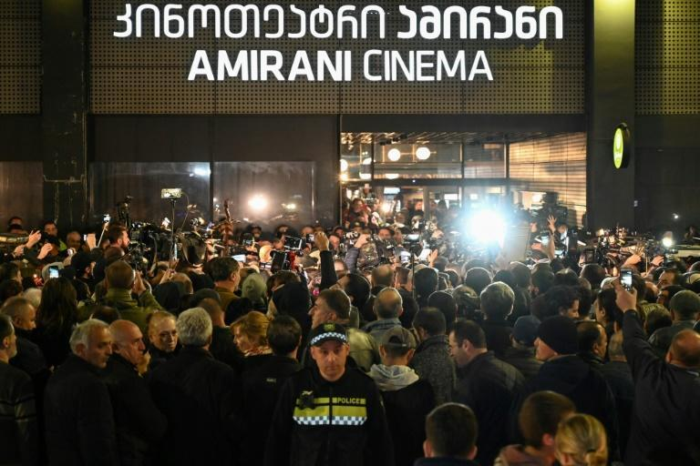 Georgian far-right activists protest outside the Tbilisi cinema screening the Oscar-nominated 'And then we danced' (AFP Photo/Vano SHLAMOV)