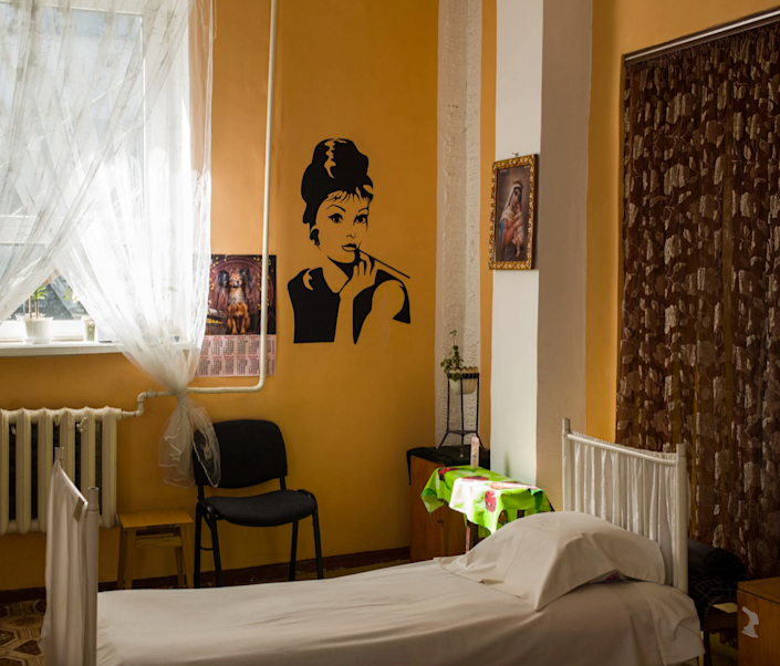 A sunny Audrey Hepburn-themed cell in a Ukrainian prison.