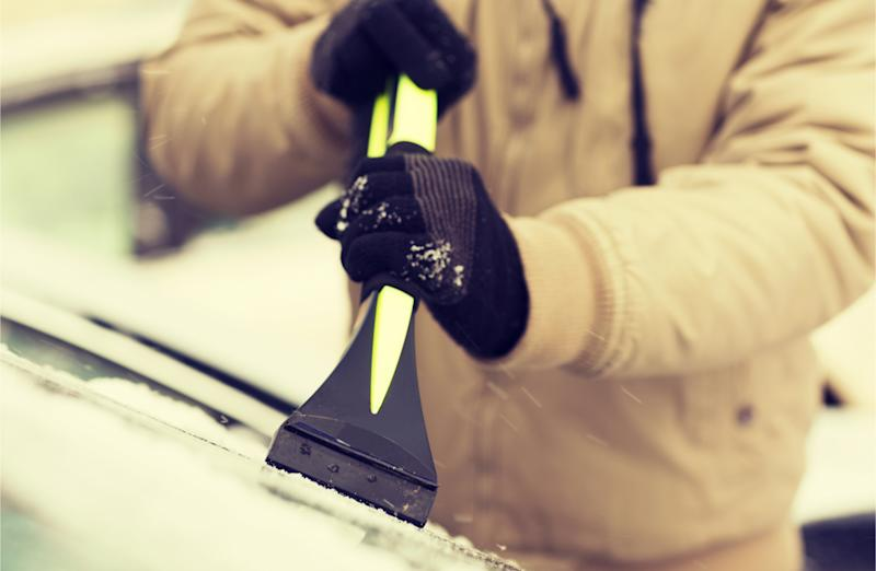 The Tools You Should Have in Your Car for Winter